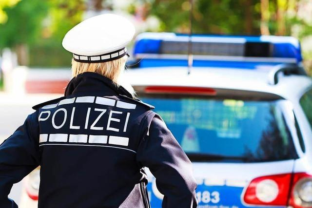 Zwei Verletzte bei Auffahrunfall auf B34 bei Schwörstadt