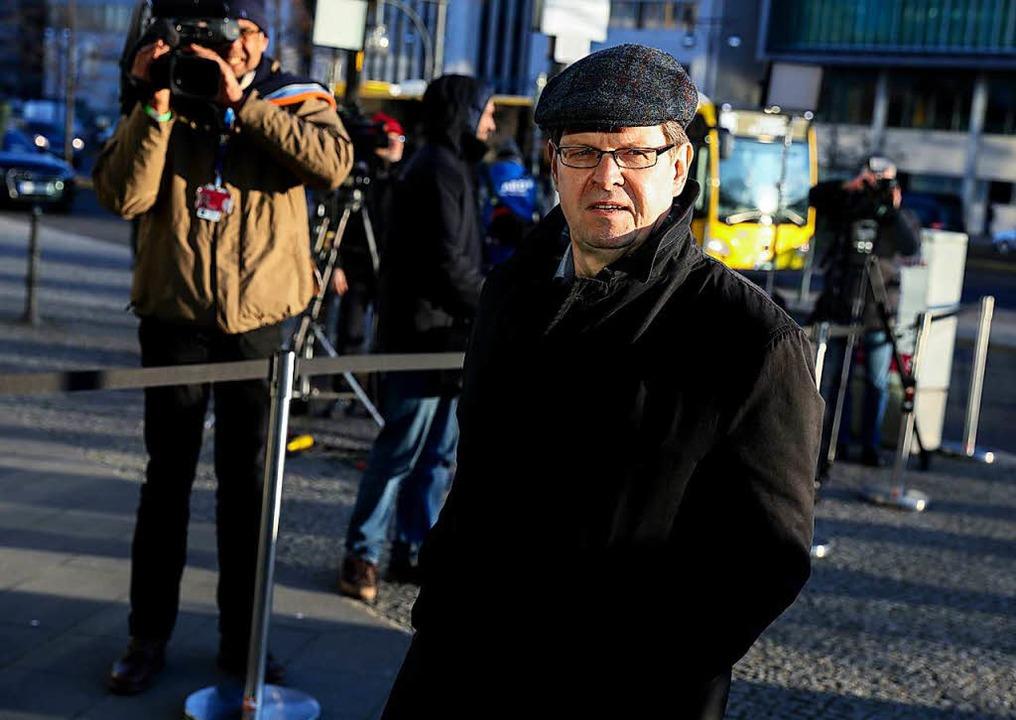 Ralf Stegner, stellvertretenden SPD-Vo... kommt zu den Koalitionsverhandlungen.  | Foto: dpa