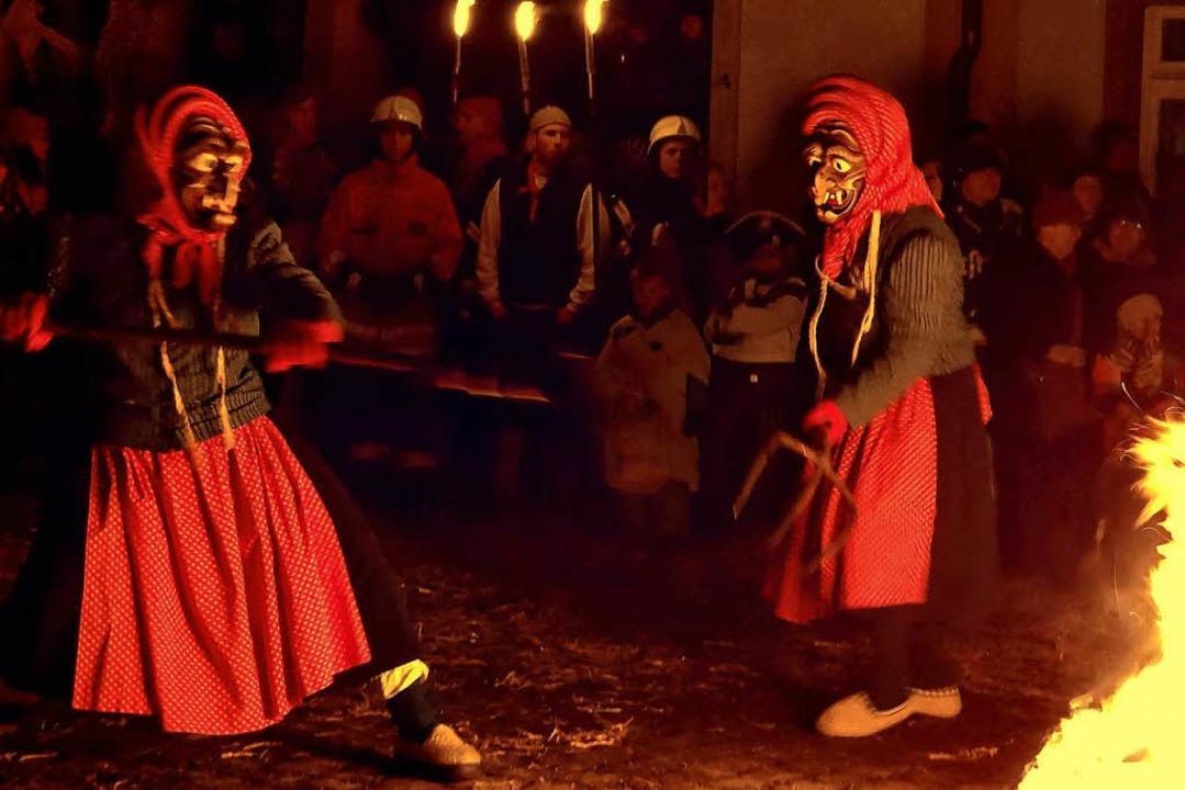 Der Hexensabbat der Waldkircher Kandelhexen ist eine aufwendige Choreografie.  | Foto: Wolfgang Gröschel