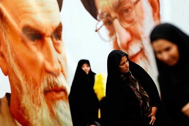 Viele Iranerinnen legen ihr Kopftuch ab – aus Protest