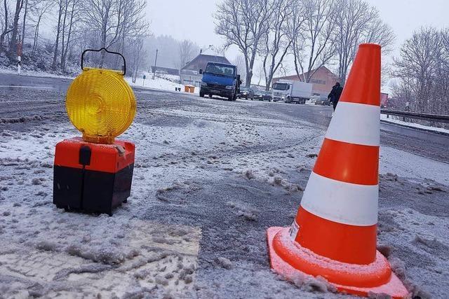 B 31 durchs Höllental nach Unfall mit Lastzug einspurig frei