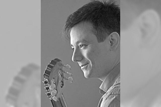 Rodrigo Guzmán spielt südamerikanische Gitarrenmusik im Kornhauskeller in Frick/Schweiz