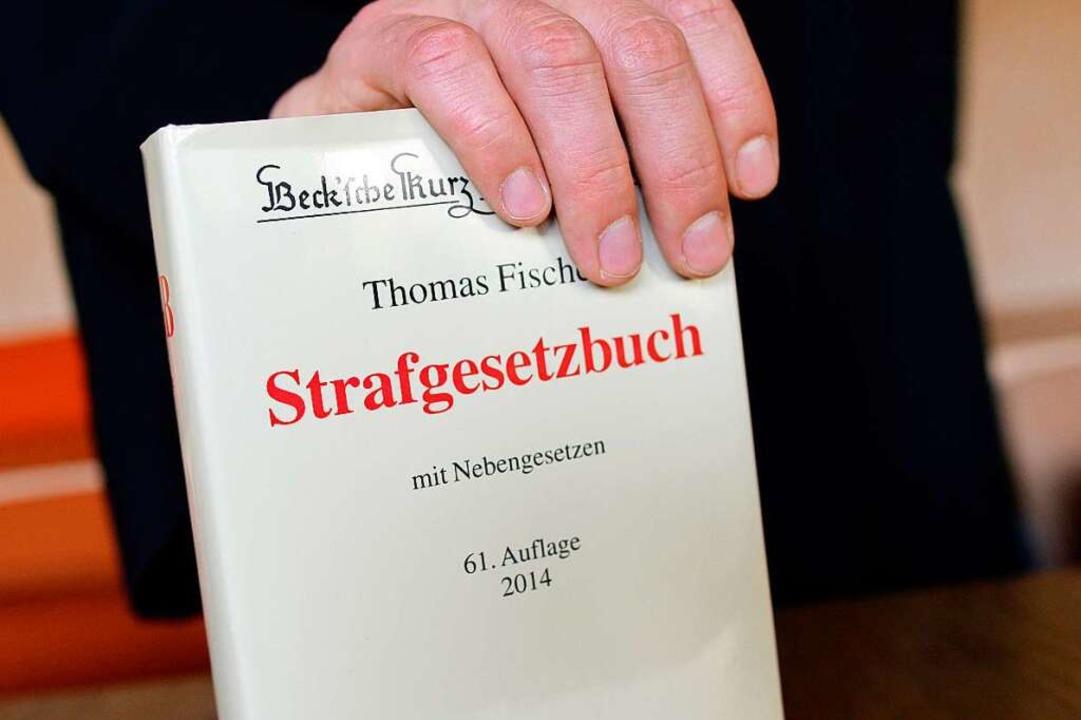 Gegen den Mann aus Schleswig-Holstein ist Anklage erhoben worden (Symbolbild).  | Foto: dpa