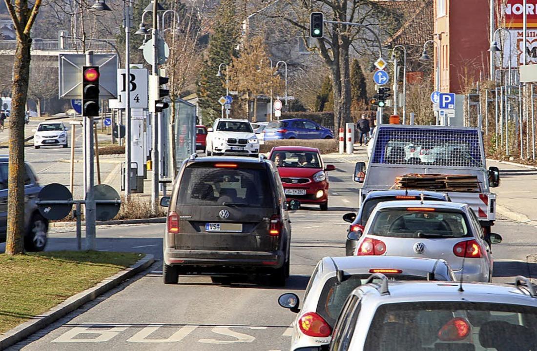Stehen die Ampeln für das Verkehrskonz...iden, ob noch einmal diskutiert wird.   | Foto: Günter Vollmer