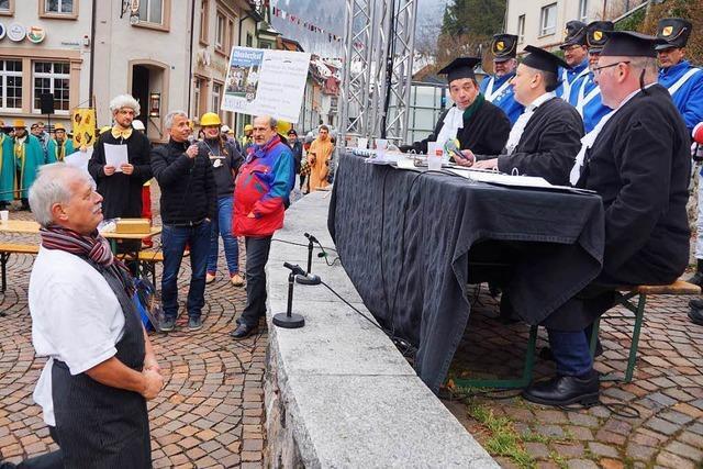 Zitternde Delinquenten und harte Urteile beim Narrengericht in Todtnau