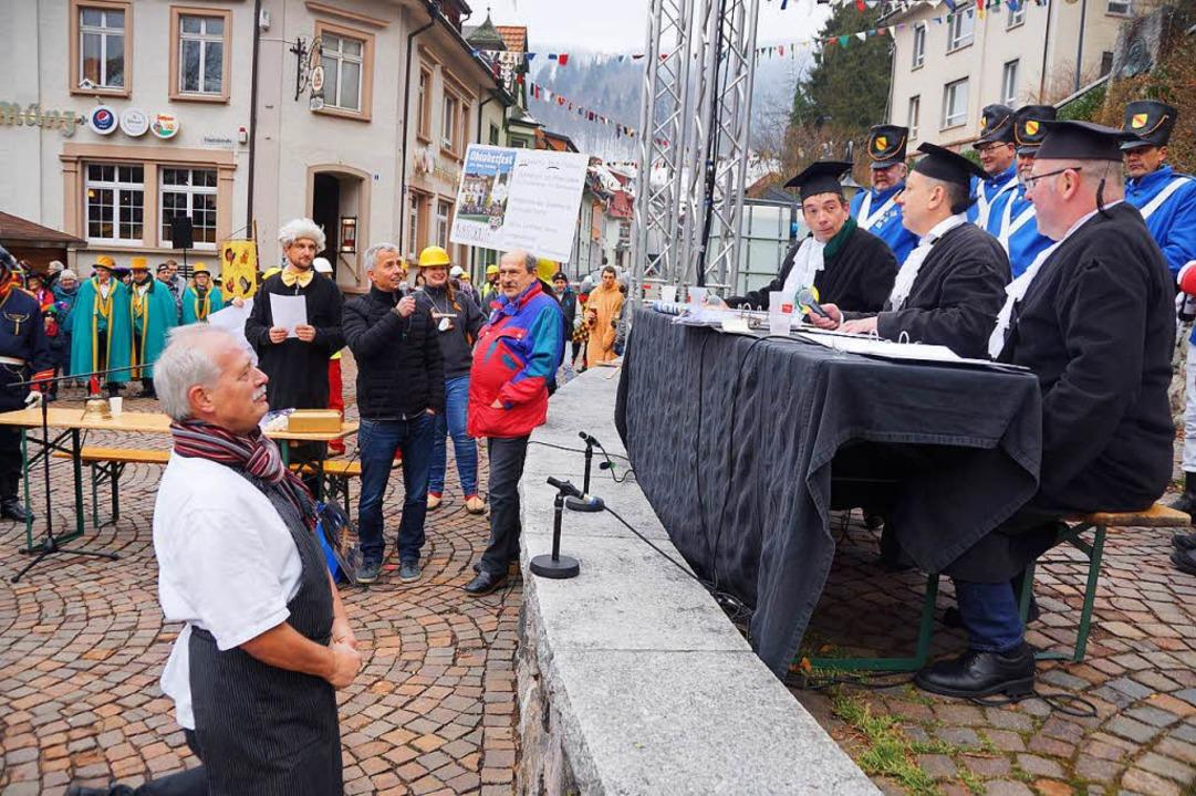 Knallharten Vorwürfe durch die Todtnau...h  Münzwirt Erwin Hartmann ausgesetzt.  | Foto: Verena Wehrle