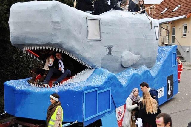 Fotos: Beim Fasnachtszug in Wettelbrunn fuhr Moby Dick mit