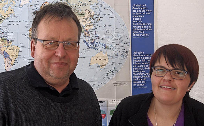 Jürgen Maienknecht und  Alexandra Walt...ie Fasnet für die jungen Flüchtlinge.   | Foto: Tobias Loibenböck