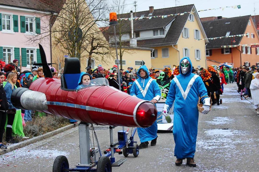 Besuch von einer Partnergemeinde aus dem Weltall brachte der Zeltclub mit.  | Foto: Mario Schöneberg