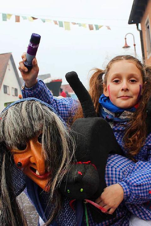 Beim Narrenumzug in Gottenheim  | Foto: Mario Schöneberg