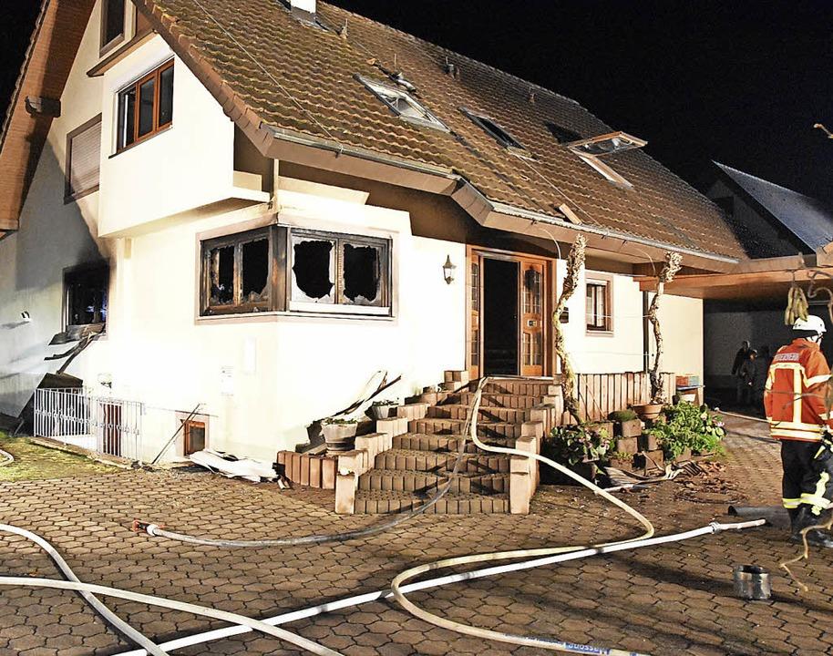 Ein sich rasant ausbreitender Fettbran...d die Wohnung dieses Merdinger Hauses.  | Foto: manfred frietsch