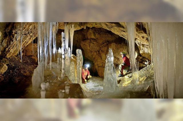 Die Wendelsteinhöhle ist zum Eispalast geworden
