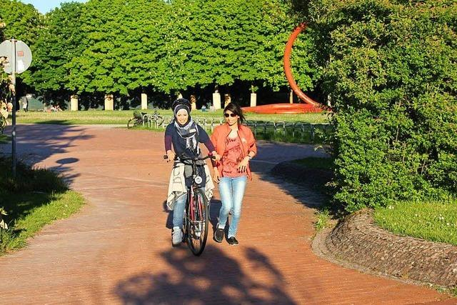 Bike Bridge sucht Trainerinnen für Fahrradfahrkurse für geflüchtete Frauen
