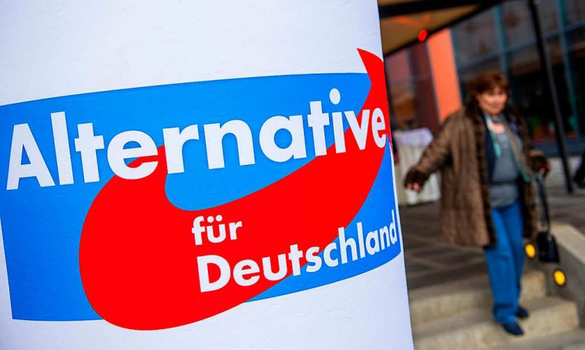 Die AfD strebt über rechte Gruppierungen in die Betriebsräte von Firmen.  | Foto: dpa