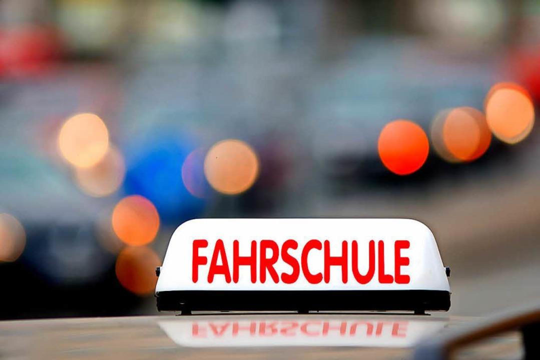 Die Fahrschulbranche in Freiburg ist im Umbruch.  | Foto: Gerhard Seybert / adobe.com