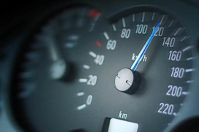 Mutmaßlicher Einbrecher rast mit Tempo 150 durch Offenburg
