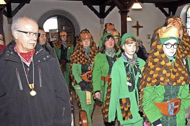 Tannenzäpfle feiern Messe