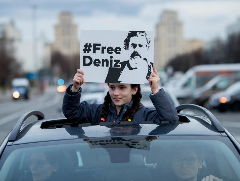 Autokorso für den inhaftierten Deniz Yücel  | Foto: dpa