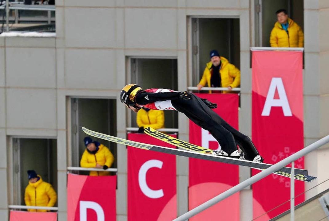Zu steil die Ski, zu kurz die Flugkurv...besten Laufzeit noch auf Rang sieben.   | Foto: dpa