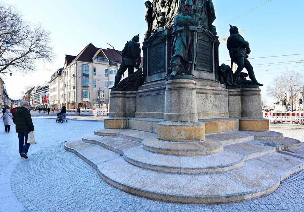 Kanonier, Grenadier, Landwehrmann und ... Victoria am Freiburger Siegesdenkmal.  | Foto: Michael Bamberger