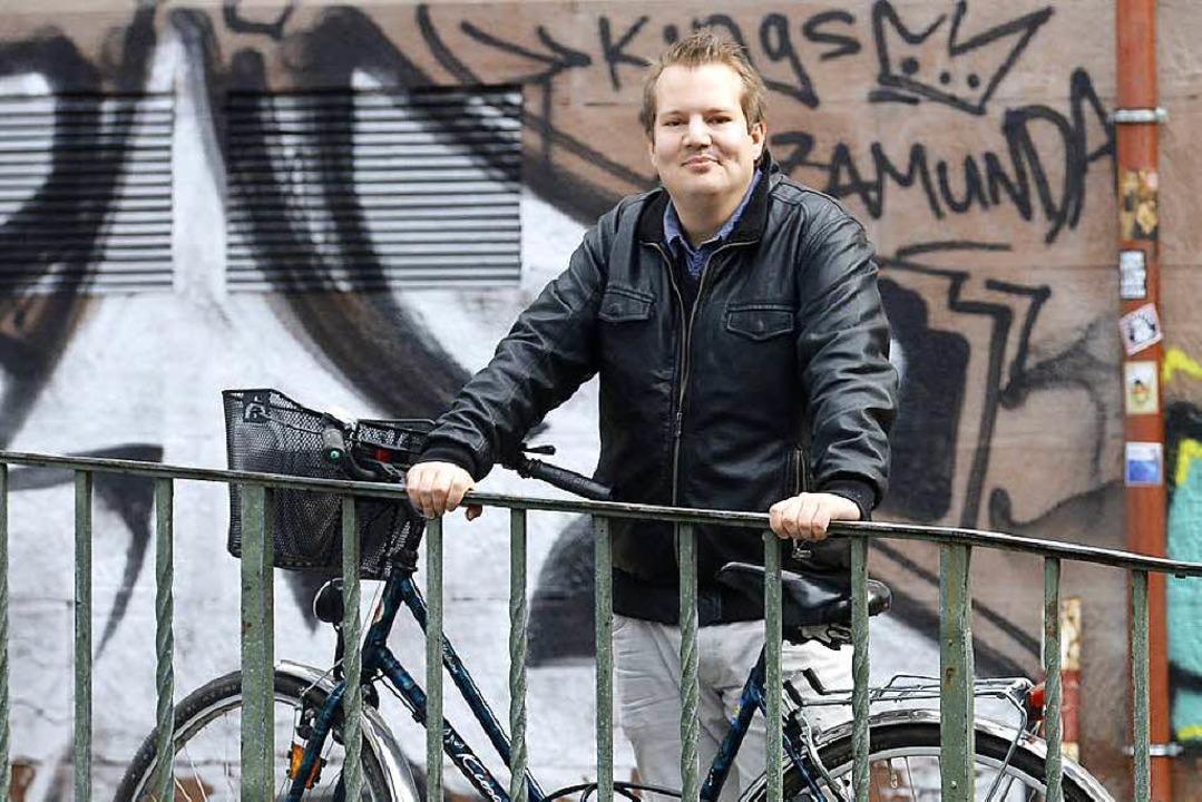 Als freundlicher Fachmann hat Mad Köninger die Dinge fest im Griff.   | Foto: Ingo Schneider