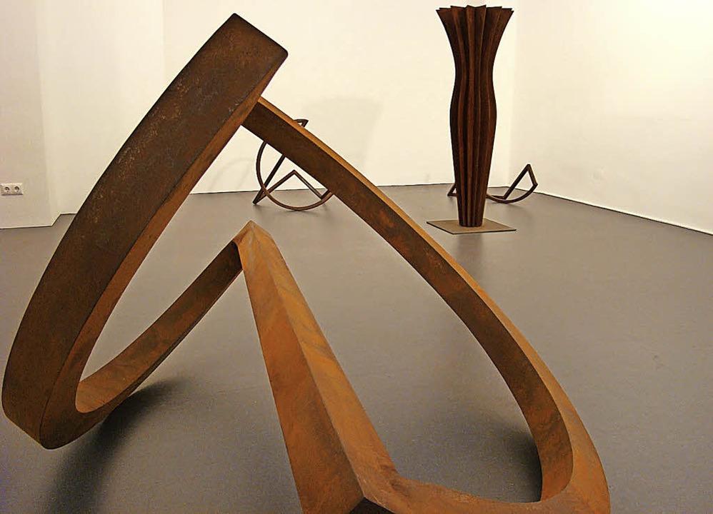 Variationen über die Endlosschleife treffen auf Stahlknospen.   | Foto: rwb