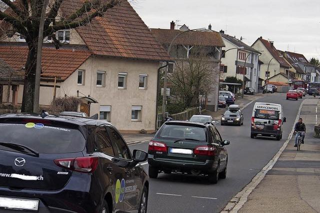 Tempo 30 und Flüsterbelag in der Warmbacher Straße wirken