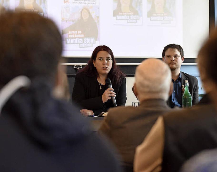 Monika Stein und Wahlkampfmanager Markus Schillberg   | Foto: R. Eggstein