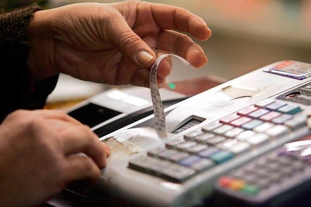 Steuerfahnder gehen gegen gefälschte Restaurant-Rechnungen vor