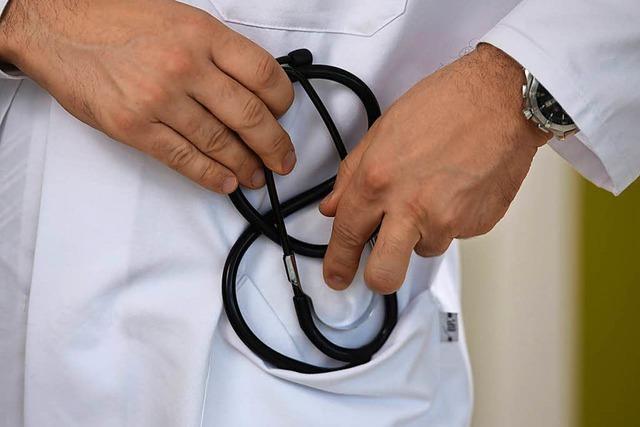 Bewährungsstrafe für Arzt am Bodensee nach Missbrauch von Patientinnen