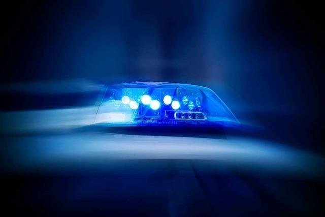 Polizisten bespuckt und beleidigt