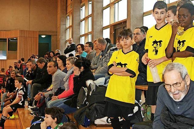 500 junge Fußballer drei Tage am Ball