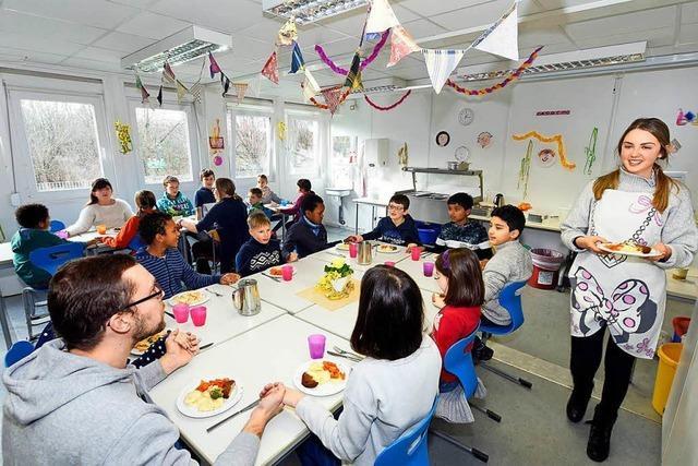 Wie Schulen aus der Region Ganztagesbetreuung gestalten und welche Probleme sie haben