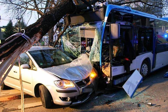 Tödlicher Busunfall in Heilbronn - Hinweise auf Gesundheitsproblem des Fahrers