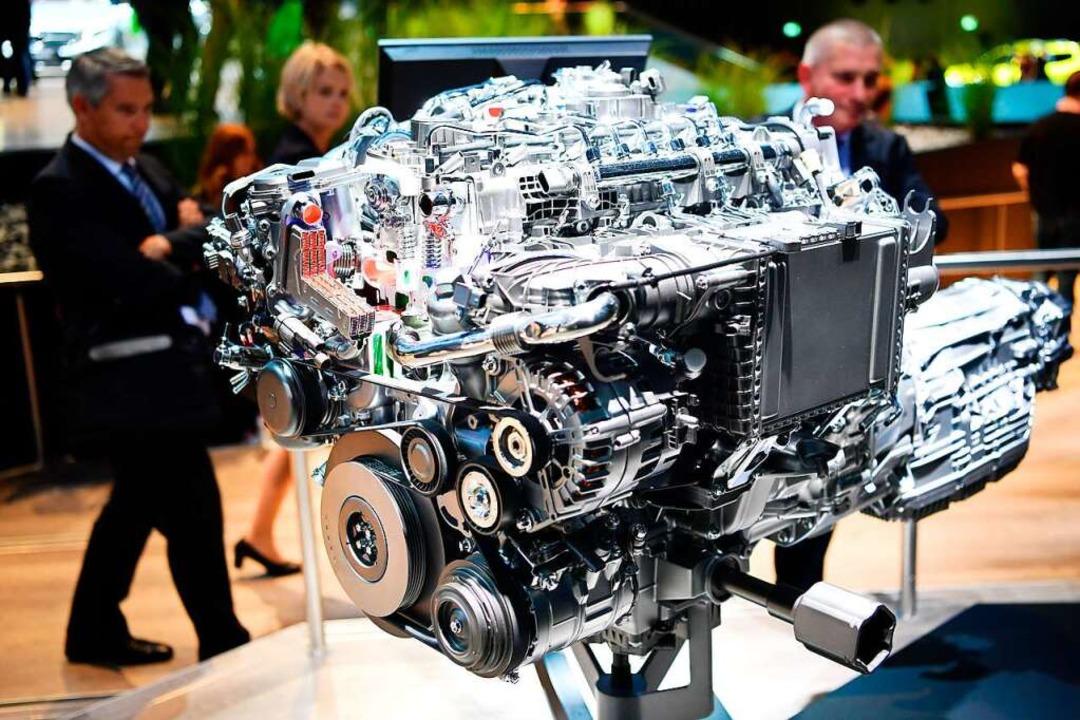 Neue Dieselmotoren (im Bild ein Sechs-...viel weniger Stickoxide aus als alte.   | Foto: dpa