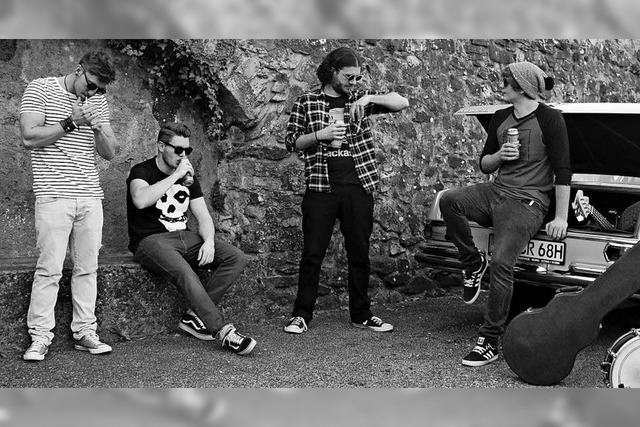 Punkband Riel Määän gibt Konzert in Minis Music Bar in Bad Säckingen