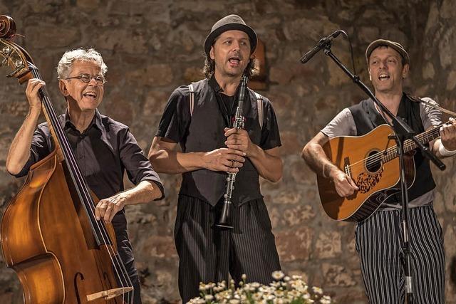 Trio Chotsch gastiert auf Kaisers Bühne in Rheinfelden-Karsau