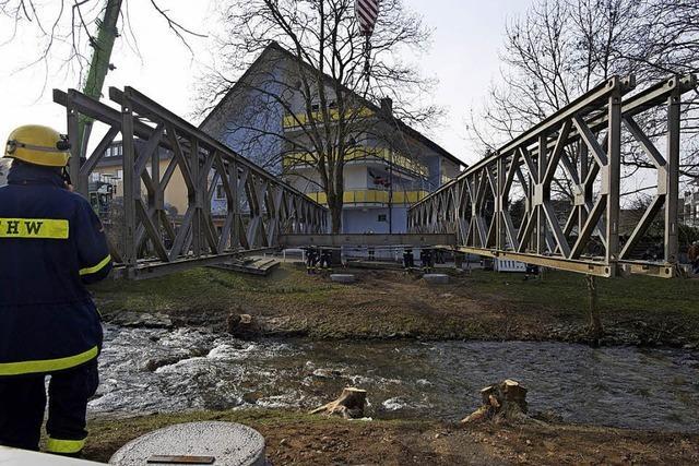 Millimeter-Arbeit an Brücke in Bad Krozingen