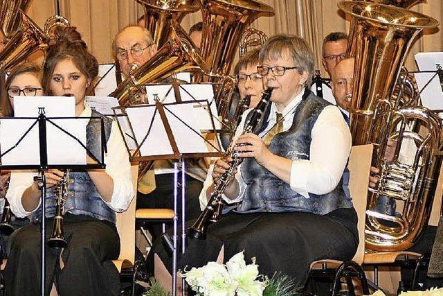 Dirigent Markus Wagner lobt beachtlichen Probeneifer der Musiker