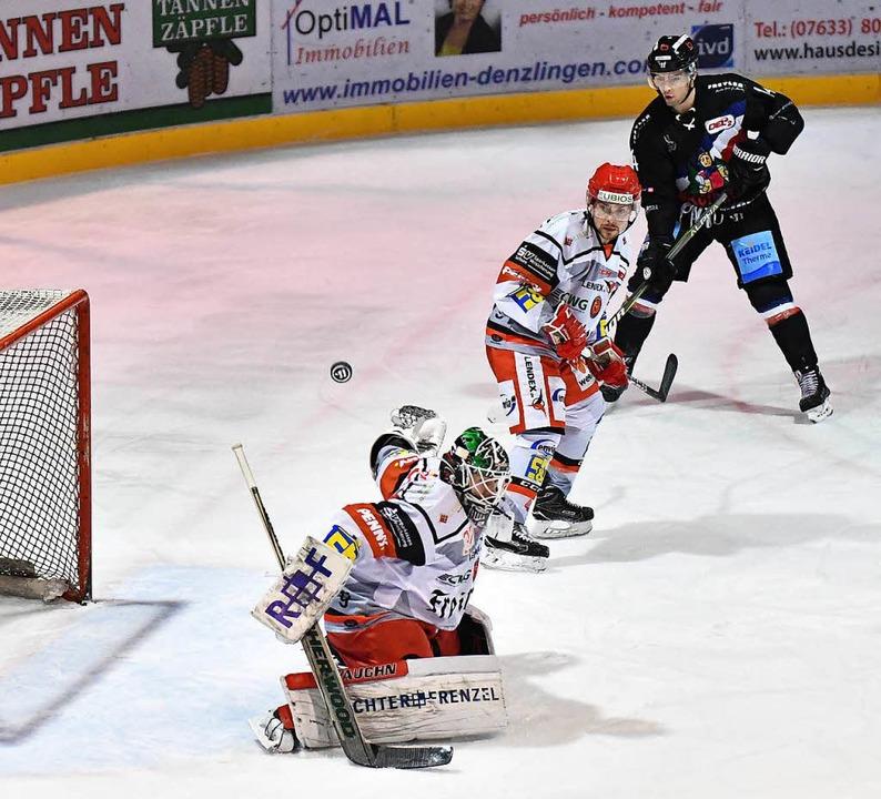 EHC Freiburg verliert 0:3 gegen  Crimmitschau.  | Foto: Achim Keller