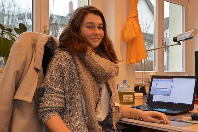 Jenny Targosz erste FSJ der Seelsorgeeinheit Mittleres Wiesental