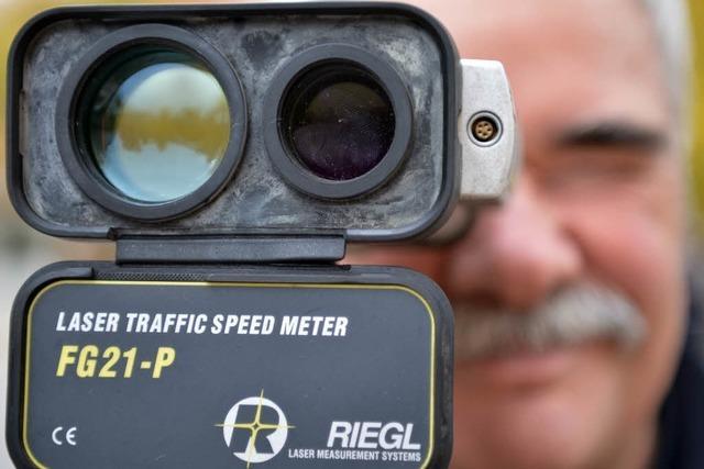 Mann rast mit Tempo 205 über die Autobahn bei Neuenburg – erlaubt sind 120 km/h