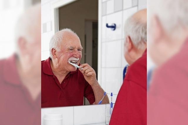Zahnpflege bis ins hohe Alter