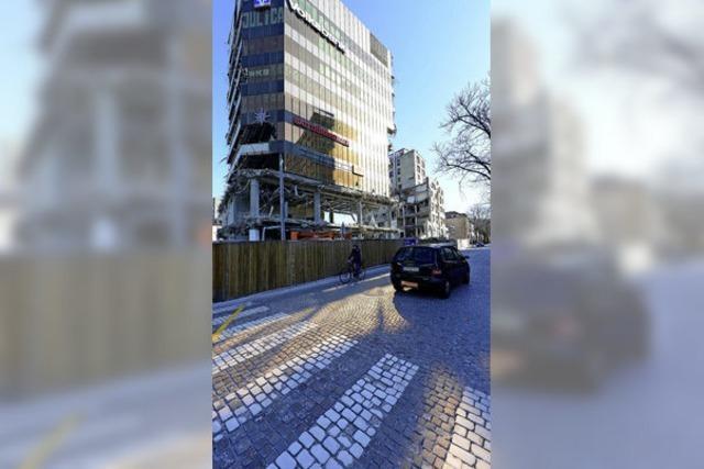 Die restlichen Teile der Freiburger Volksbank müssen nachts abgerissen werden