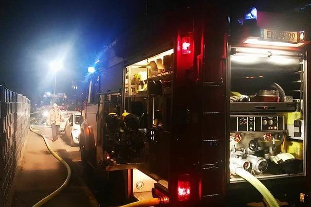 Brandeinsatz der Feuerwehr Endingen am Montagabend in der Üsenberger Straße