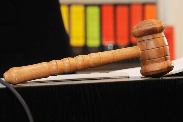 Rechtsextreme in Weil: Verfahren wegen Körperverletzung überraschend gegen Geldauflage eingestellt