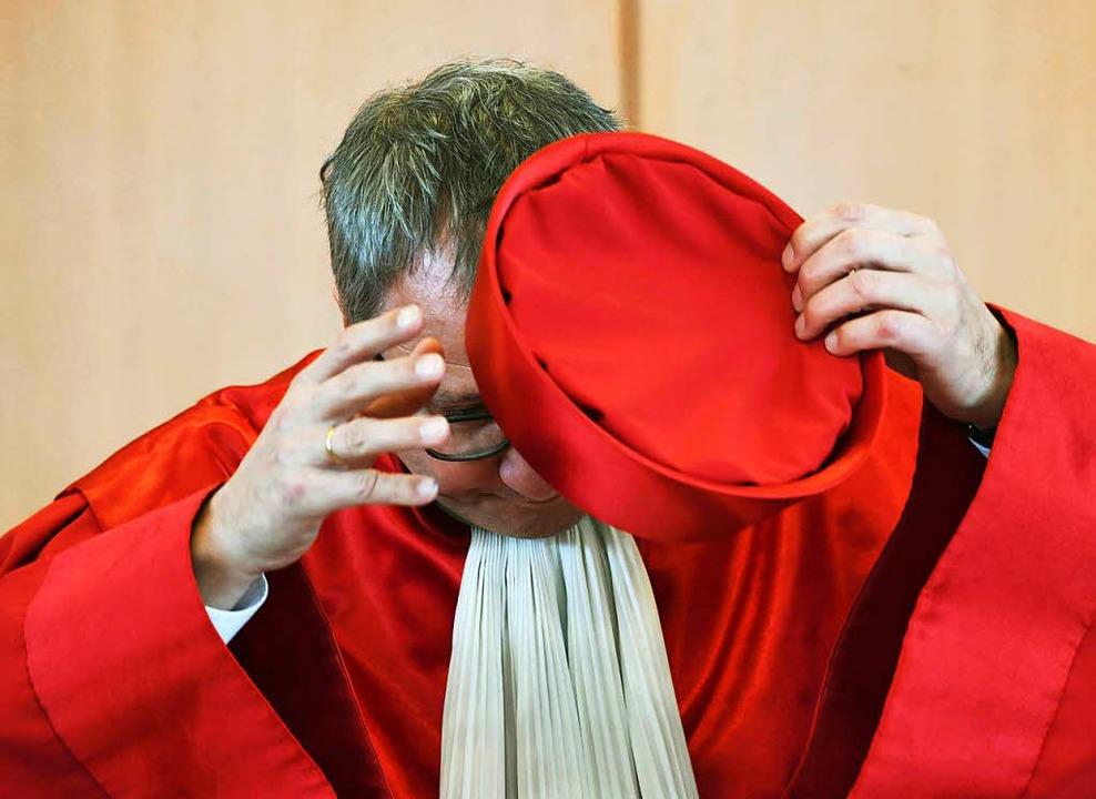 Andreas Voßkuhle, Präsident des Bundes...efugnissen von Regierungsmitgliedern.   | Foto: DPA