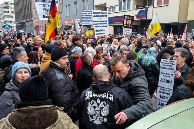 AfD-Spitze will sich Pegida annähern