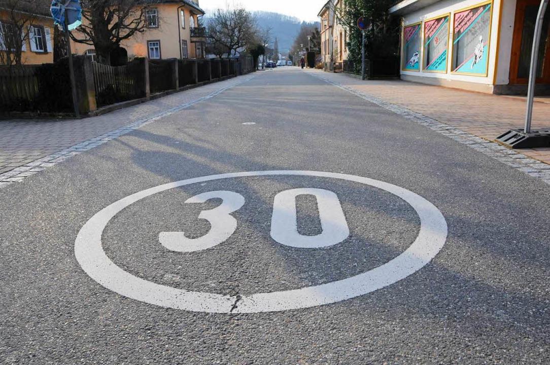 An der Steinener Köchlinstraße gibt es...poreduzierung ausgeweitet werden soll.    Foto: Robert Bergmann