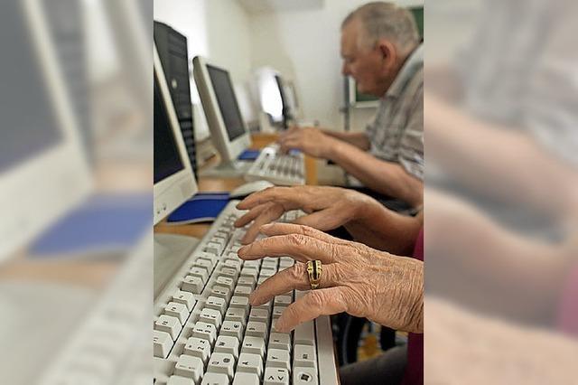 Senioren helfen Senioren bei digitalen Medien